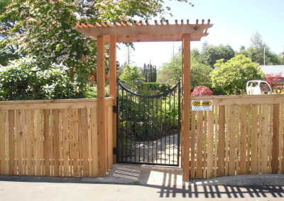 Traditional Arbor Iron Gate